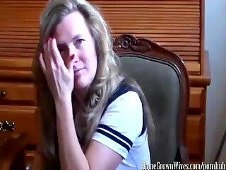 Sexy Housewife Giving an Amazing Handjob