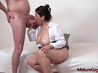 Pussy of chubby mature woman gaped and fucked hard