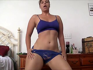 whooty shaking Phat ass 5