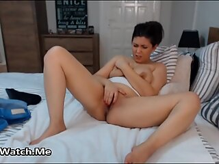 She Blanks Out While Having A Orgasm