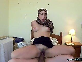 Arab white girl No Money, No Problem