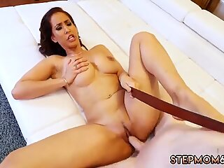 Mom and friend s friend visit doctor Horny MILF Dominating The Gardener - Isis Love