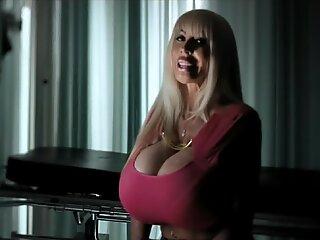 Elizabeth Starr tits Interview