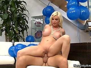 Birthday party turns into tough fuck with Diamond Foxxx