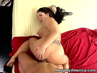 Butterface Jasmeen LeFleur riding cock and getting her cunt stretched doggystyle